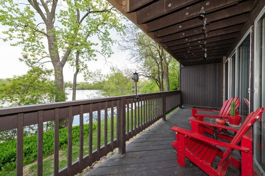 Real Estate Photography - 5544 E. Lake Drive, Unit B, Lisle, IL, 60532 - Deck