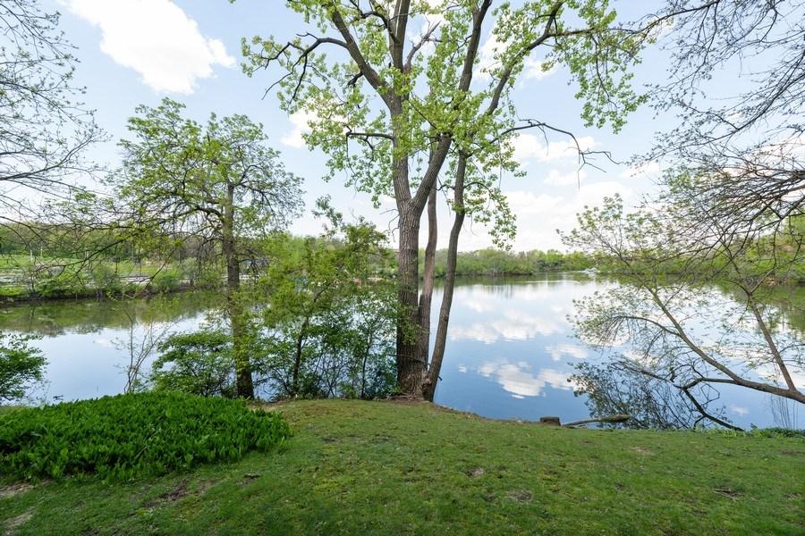 Real Estate Photography - 5544 E. Lake Drive, Unit B, Lisle, IL, 60532 - Lake View