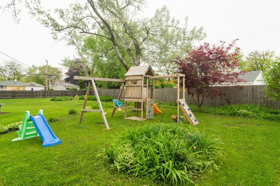 Real Estate Photography - 2704 Sigwalt Street, Rolling Meadows, IL, 60008 - Back Yard