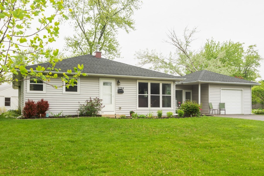 Real Estate Photography - 2704 Sigwalt Street, Rolling Meadows, IL, 60008 - Front View