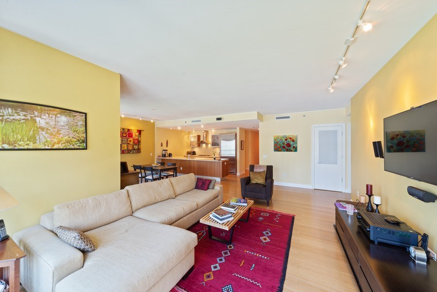 Real Estate Photography - 340 E. Randolph Street, Unit 1904, Chicago, IL, 60601 - Living Room
