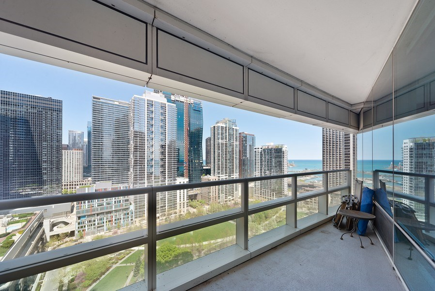 Real Estate Photography - 340 E. Randolph Street, Unit 1904, Chicago, IL, 60601 - Terrace