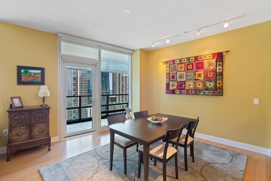 Real Estate Photography - 340 E. Randolph Street, Unit 1904, Chicago, IL, 60601 - Dining Room