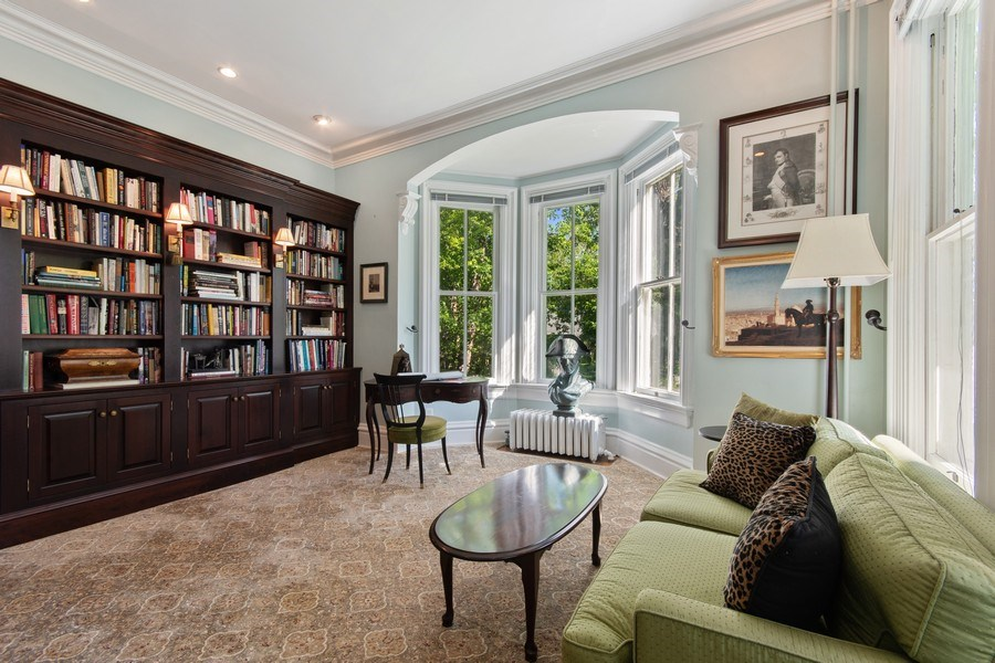 Real Estate Photography - 135 South Lincoln St, Batavia, IL, 60510 - Library