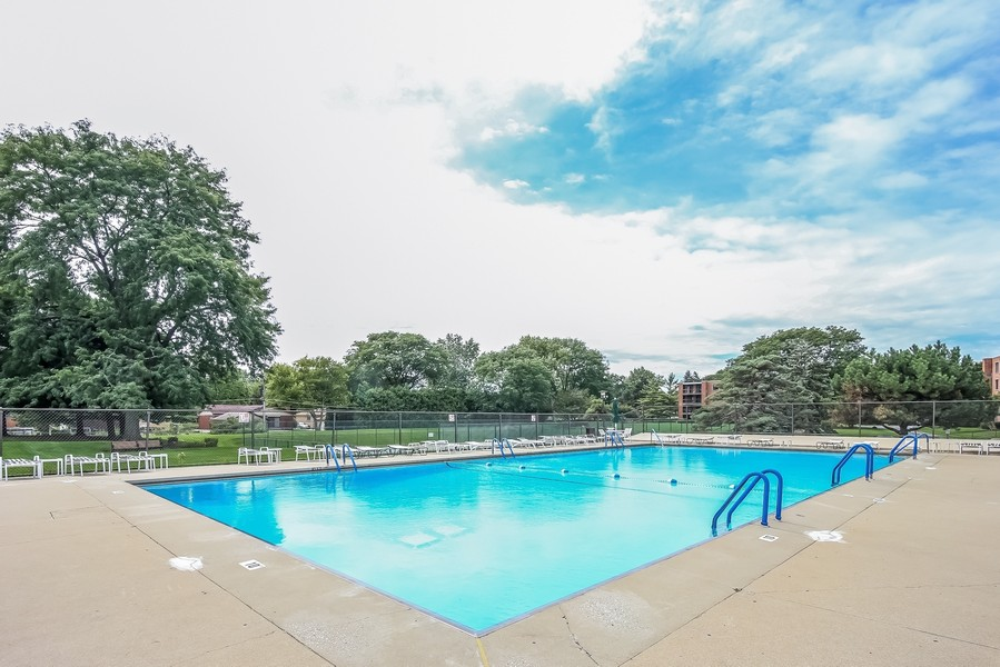Real Estate Photography - 1505 E. Central Road, Unit 106A, Arlington Heights, IL, 60005 - Outdoor Swimming Pool