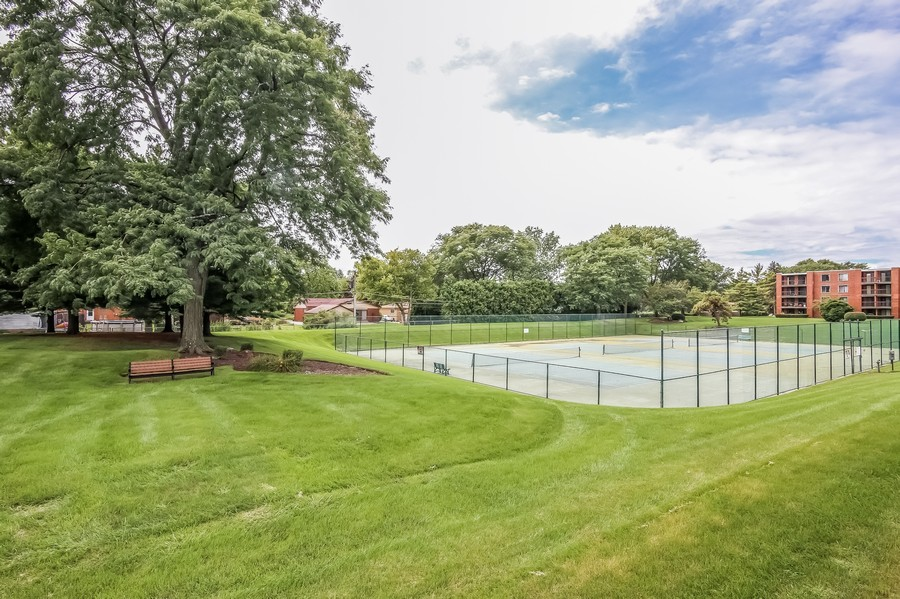 Real Estate Photography - 1505 E. Central Road, Unit 106A, Arlington Heights, IL, 60005 - Tennis Courts