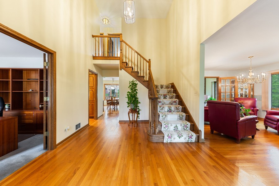 Real Estate Photography - 8738 Kentwood Court, Darien, IL, 60561 - Foyer