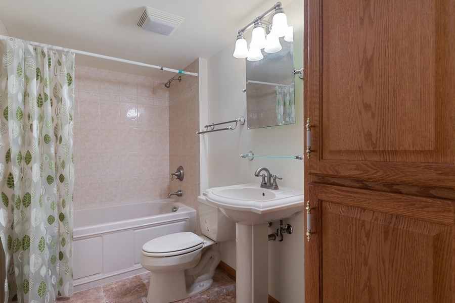 Real Estate Photography - 8738 Kentwood Court, Darien, IL, 60561 - 2nd Bathroom