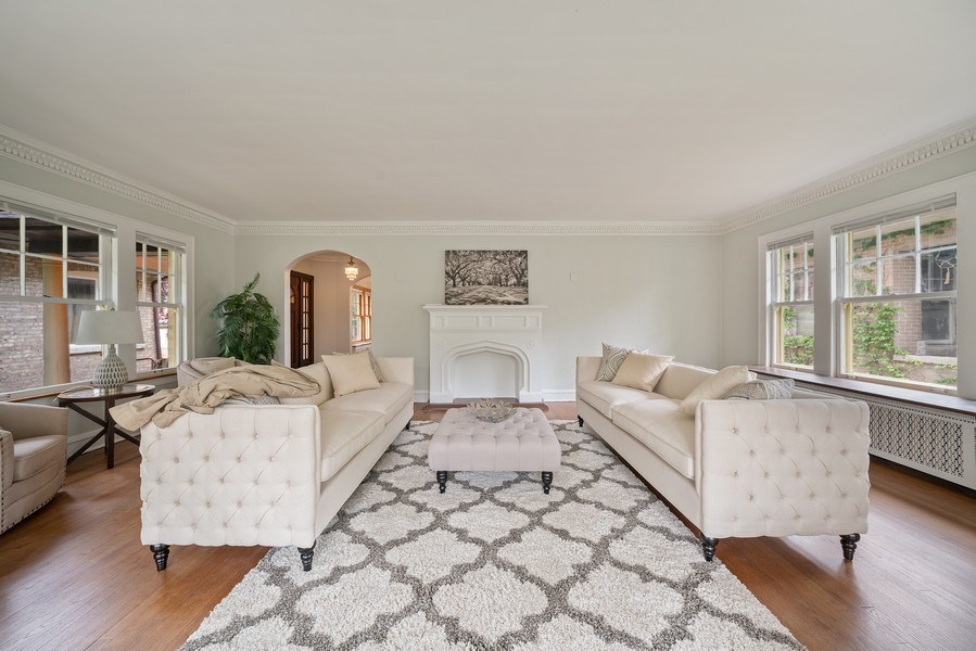 Real Estate Photography - 1207 Rossell Avenue, Oak Park, IL, 60302 - Living Room