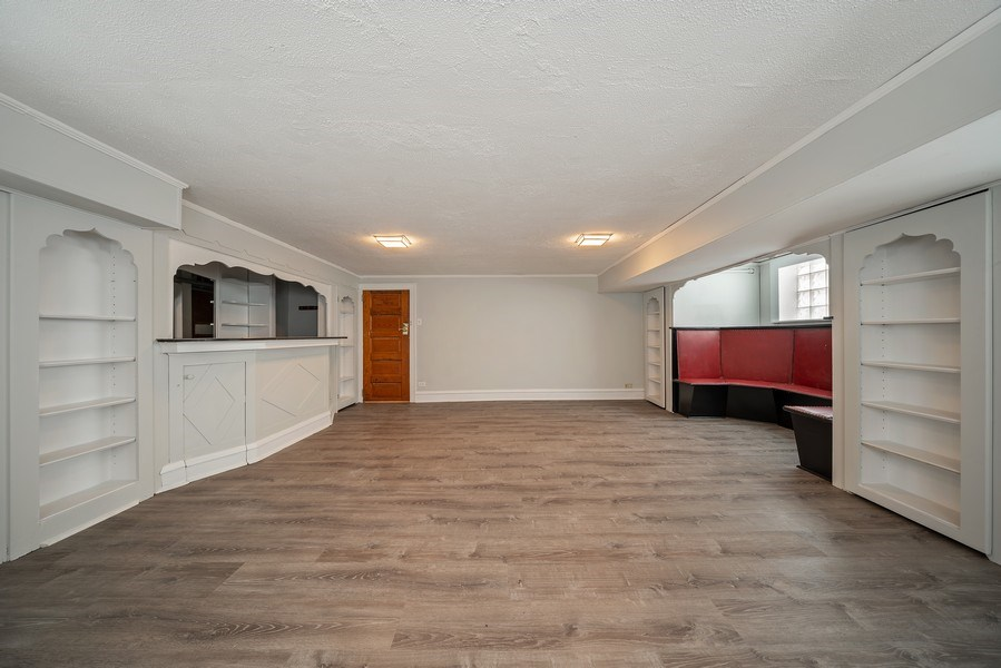 Real Estate Photography - 1207 Rossell Avenue, Oak Park, IL, 60302 - Family Room