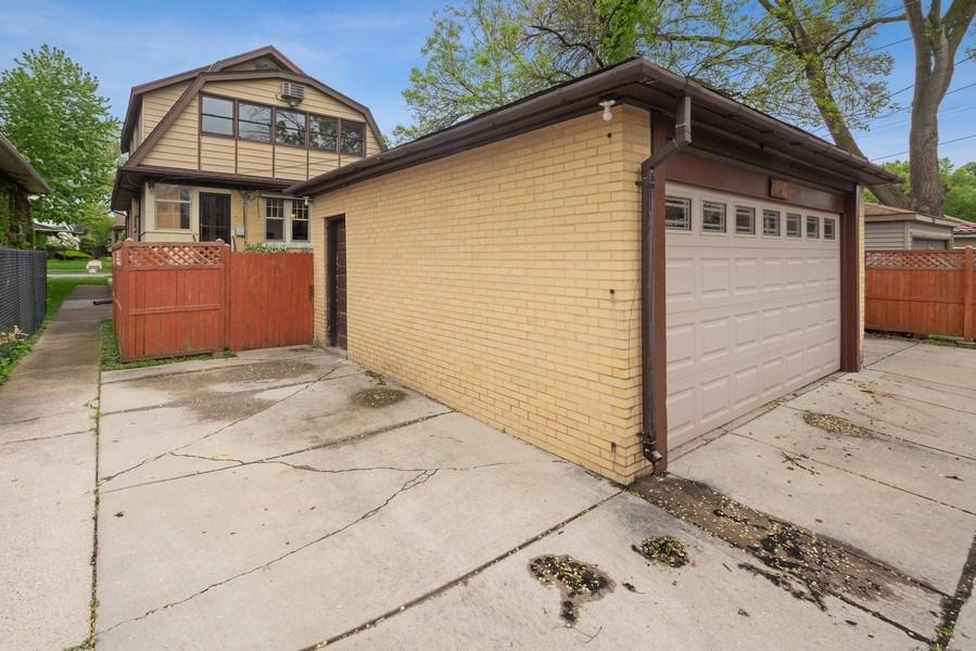 Real Estate Photography - 1207 Rossell Avenue, Oak Park, IL, 60302 - Garage