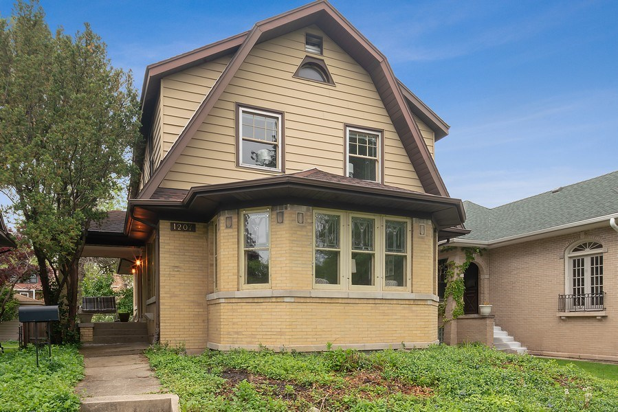 Real Estate Photography - 1207 Rossell Avenue, Oak Park, IL, 60302 - Front View
