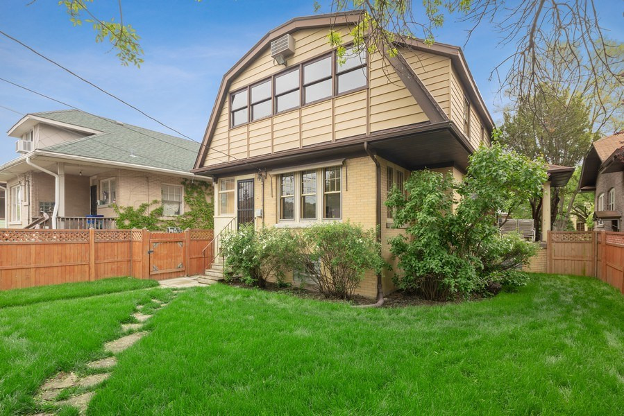 Real Estate Photography - 1207 Rossell Avenue, Oak Park, IL, 60302 - Rear View