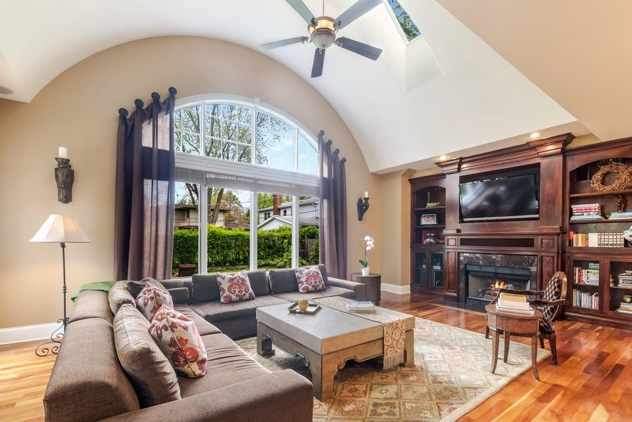 Real Estate Photography - 3703 Springdale Ave, Glenview, IL, 60025 - Great Room/Family Room