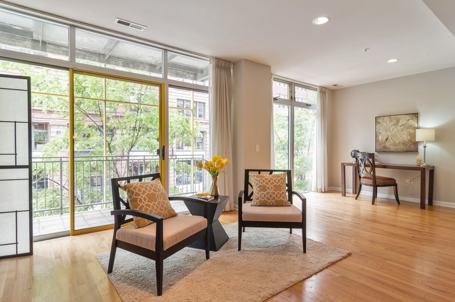 Real Estate Photography - 433 N. Wells Street, Unit 202, Chicago, IL, 60654 - Living Room