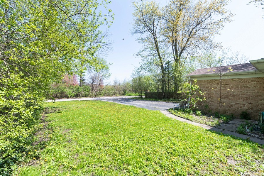 Real Estate Photography - 600 Rambler Lane, Highland Park, IL, 60035 - Front Yard View