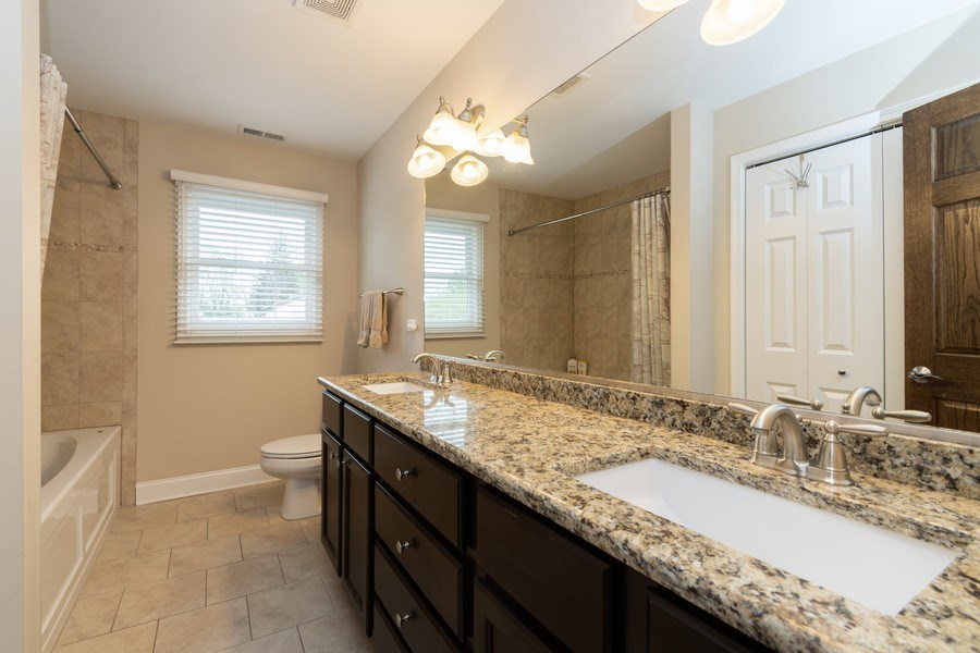Real Estate Photography - 4956 Paxton Road, Oak Lawn, IL, 60453 - Bathroom