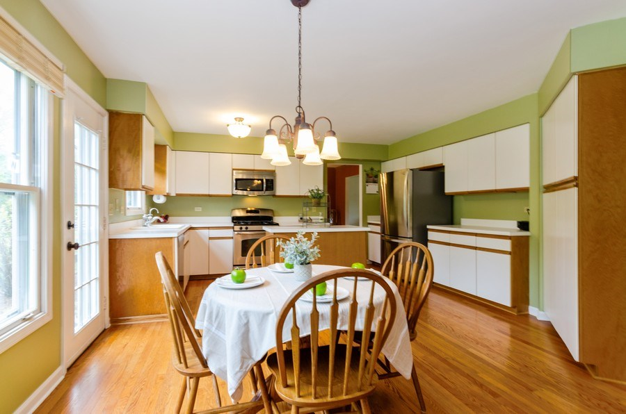 Real Estate Photography - 1210 Alexandra Boulevard, Crystal Lake, IL, 60014 - Kitchen