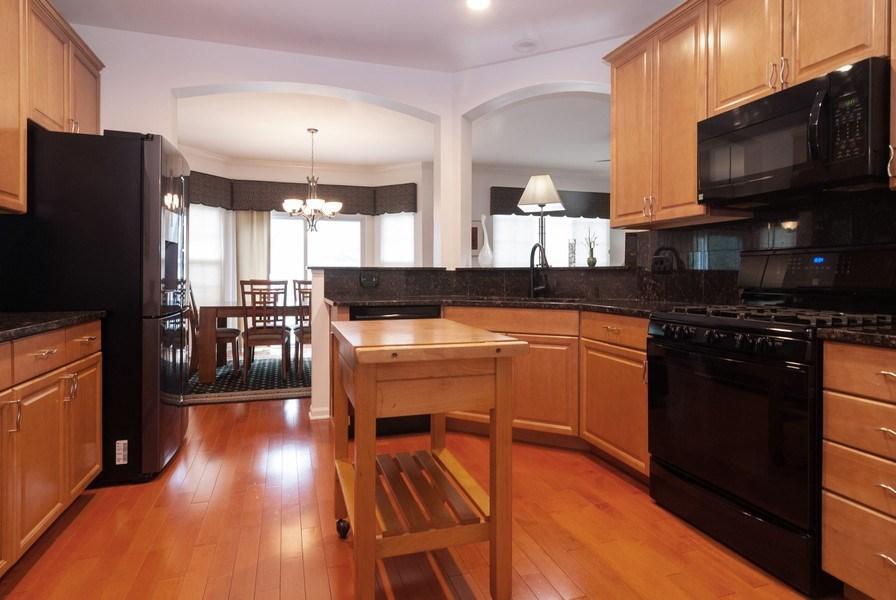 Real Estate Photography - 1236 Townes Circle, Aurora, IL, 60502 - Kitchen