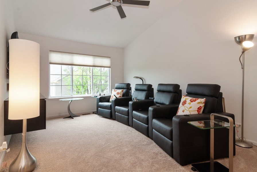 Real Estate Photography - 1236 Townes Circle, Aurora, IL, 60502 - Loft
