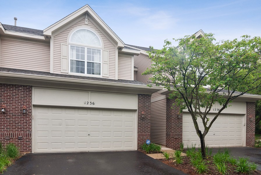 Real Estate Photography - 1236 Townes Circle, Aurora, IL, 60502 - Front View