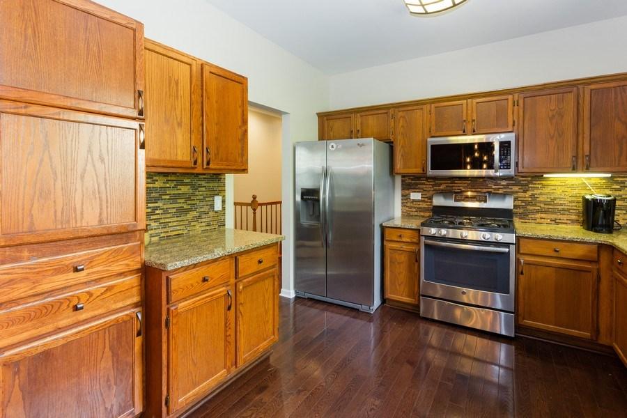 Real Estate Photography - 2109 Vermette Circle, Plainfield, IL, 60586 - Kitchen