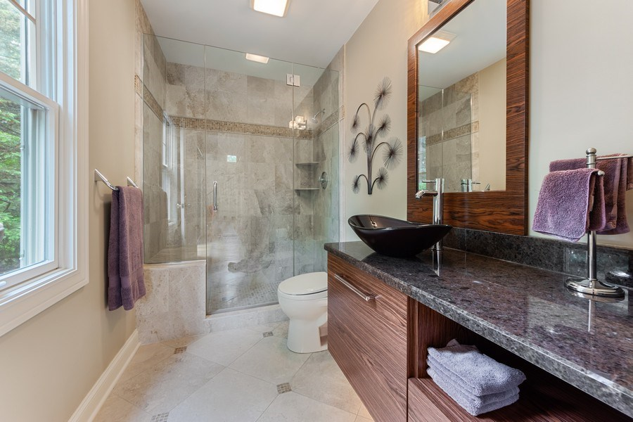 Real Estate Photography - 707 W. Lynnwood Avenue, Arlington Heights, IL, 60004 - 3rd Bathroom