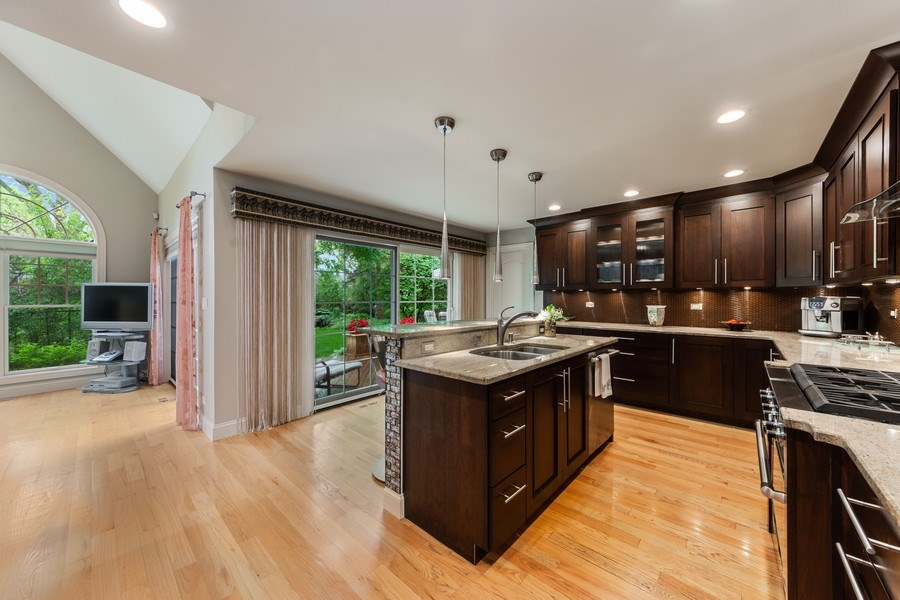 Real Estate Photography - 707 W. Lynnwood Avenue, Arlington Heights, IL, 60004 - Kitchen