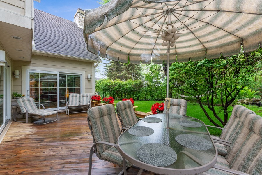 Real Estate Photography - 707 W. Lynnwood Avenue, Arlington Heights, IL, 60004 - Deck