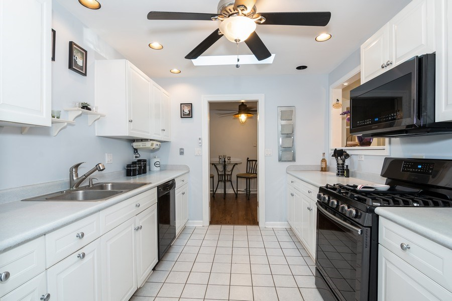 Real Estate Photography - 5N327 Martingale Drive, Bartlett, IL, 60103 - Kitchen