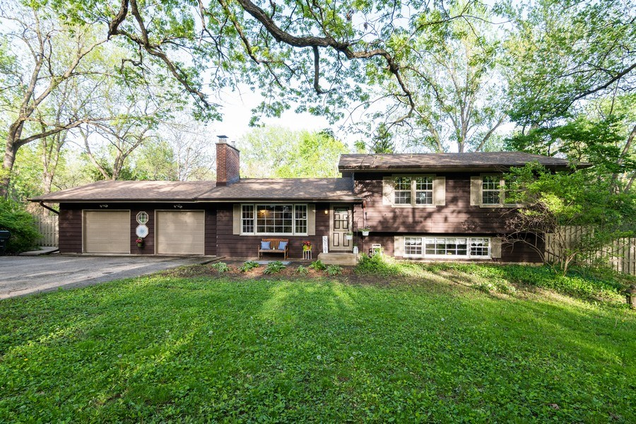 Real Estate Photography - 5N327 Martingale Drive, Bartlett, IL, 60103 - Front View