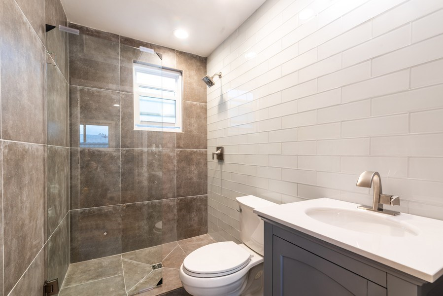 Real Estate Photography - 6125 N Ravenswood, Unit 2, Chicago, IL, 60640 - 3rd Bathroom