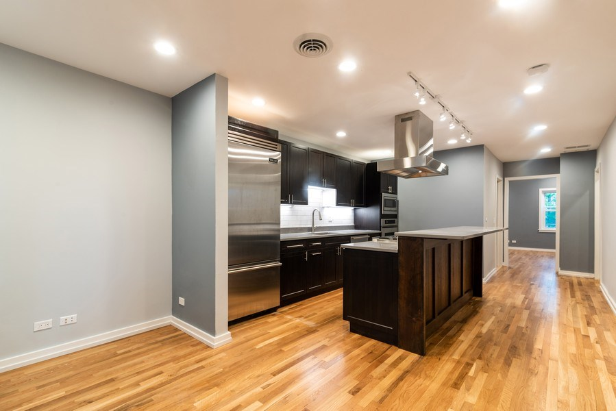 Real Estate Photography - 6125 N Ravenswood, Unit 2, Chicago, IL, 60640 - Kitchen / Breakfast Room