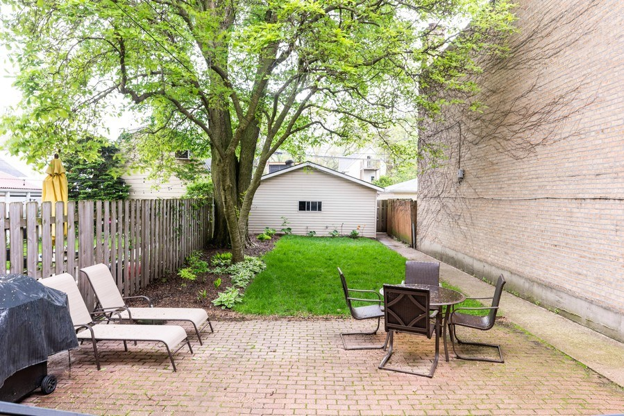 Real Estate Photography - 6125 N Ravenswood, Unit 2, Chicago, IL, 60640 - Back Yard