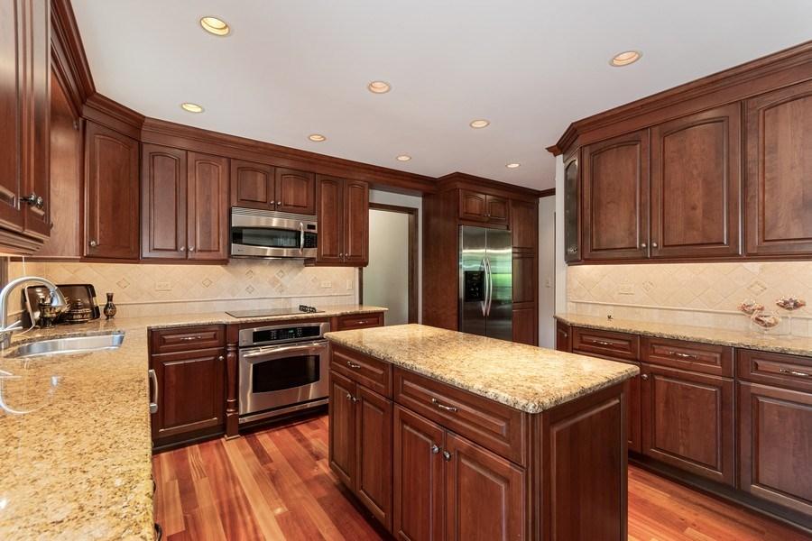 Real Estate Photography - 835 Morven Court, Naperville, IL, 60563 - Kitchen