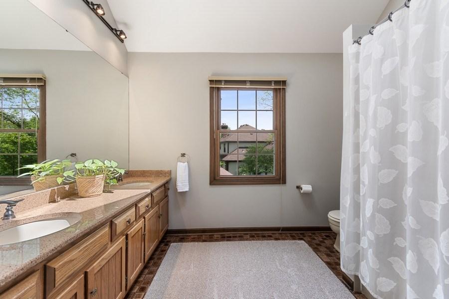 Real Estate Photography - 835 Morven Court, Naperville, IL, 60563 - 2nd Bathroom