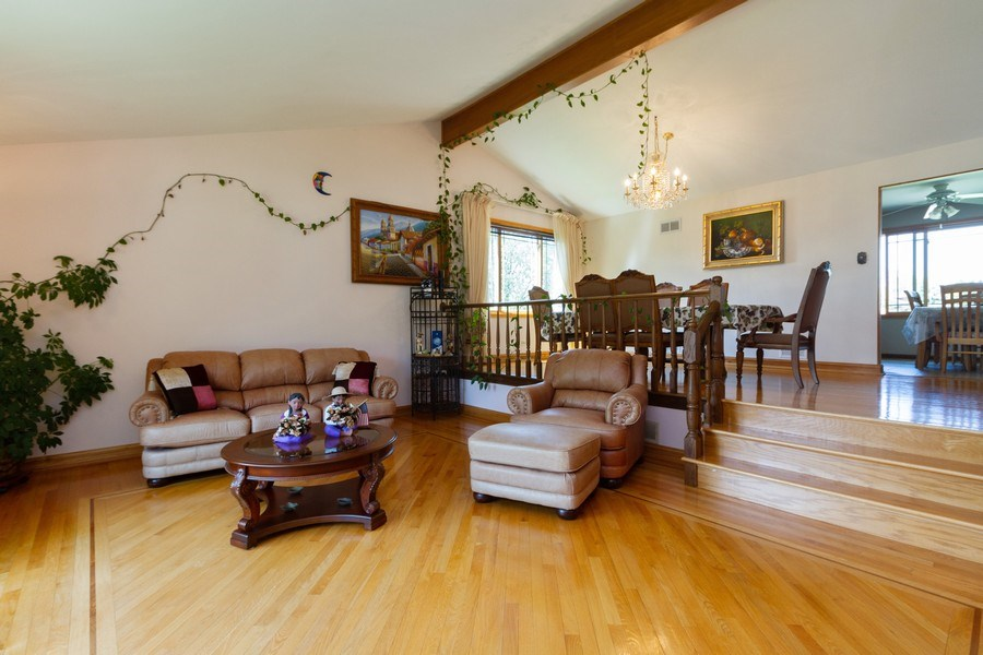 Real Estate Photography - 8438 Hollywood Drive, Orland Park, IL, 60462 - Living Room