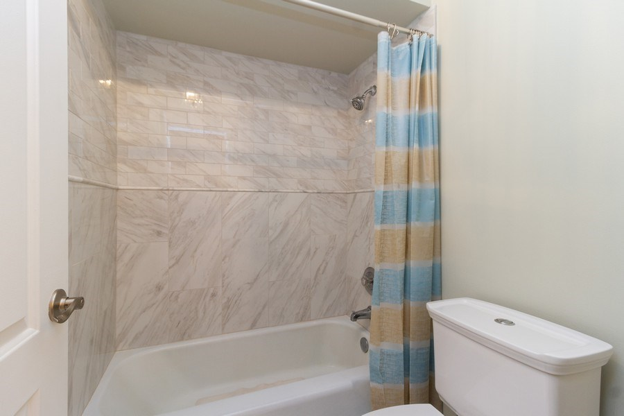 Real Estate Photography - 8438 Hollywood Drive, Orland Park, IL, 60462 - Master Bathroom