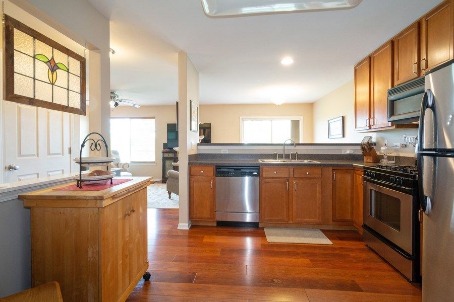 Real Estate Photography - 286 MACINTOSH Avenue, Woodstock, IL, 60098 - Kitchen