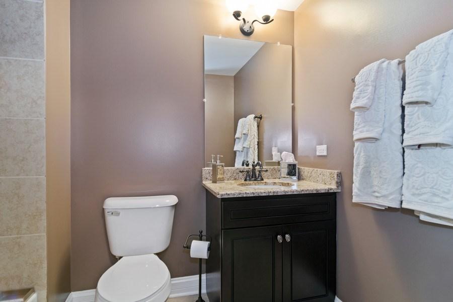 Real Estate Photography - 174 Partridge Lane, Bartlett, IL, 60103 - 2nd Bathroom