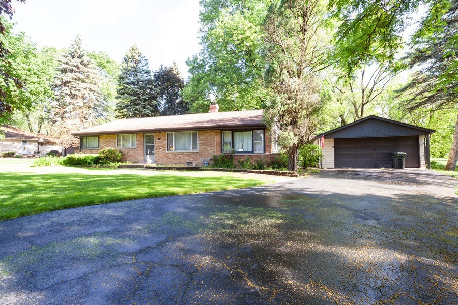 Real Estate Photography - 620 67th Place, Willowbrook, IL, 60527 - Front View