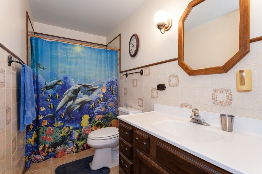 Real Estate Photography - 620 67th Place, Willowbrook, IL, 60527 - Bathroom