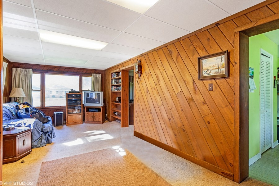 Real Estate Photography - 620 67th Place, Willowbrook, IL, 60527 -