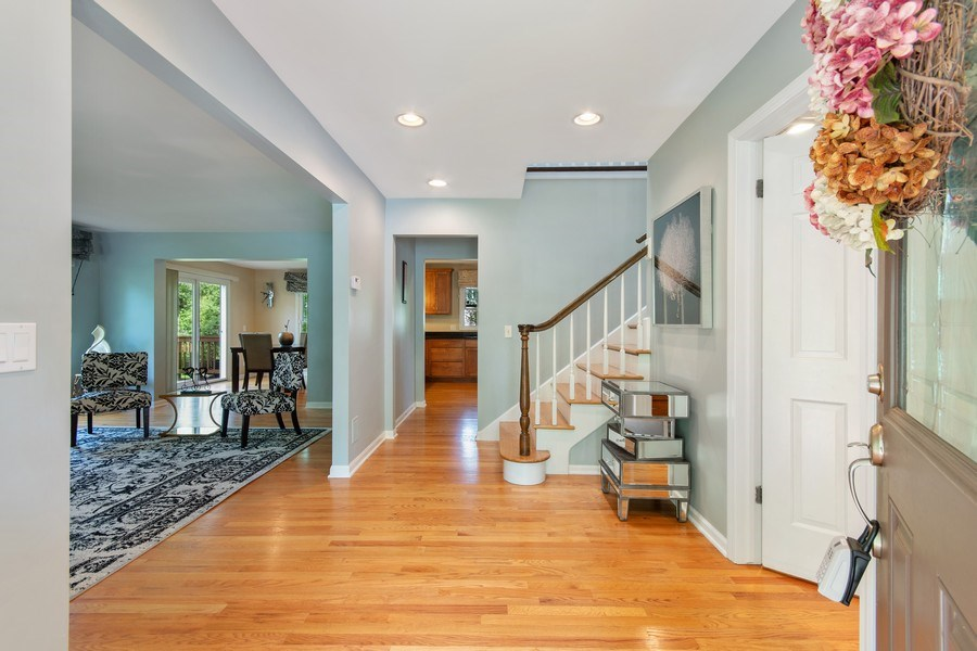 Real Estate Photography - 1513 Maple Hills Court, Naperville, IL, 60563 - Foyer