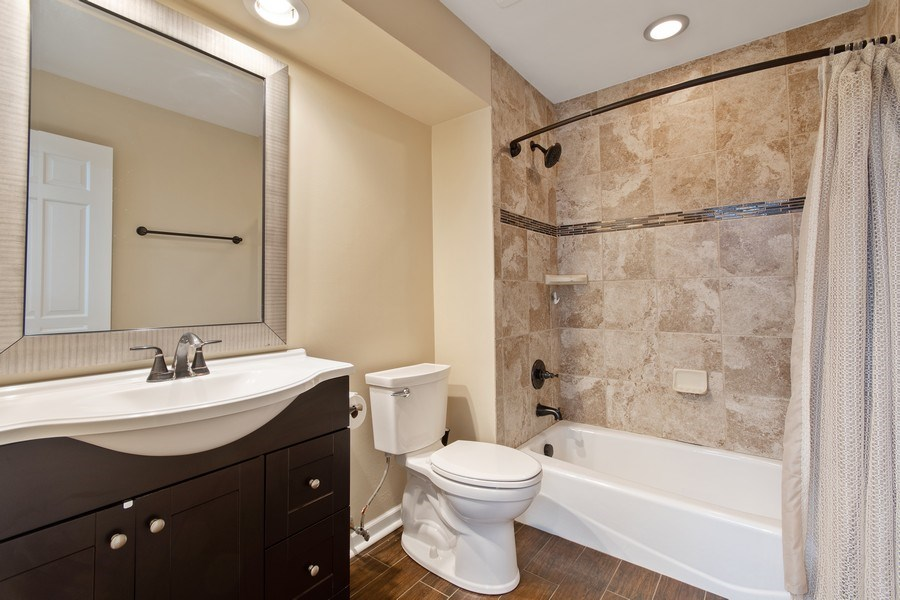 Real Estate Photography - 1513 Maple Hills Court, Naperville, IL, 60563 - 2nd Bathroom