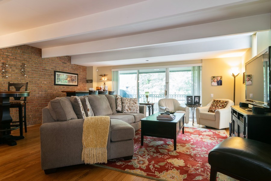 Real Estate Photography - 446 Lageschulte Street, Unit 1-446, Barrington, IL, 60010 - Living Room