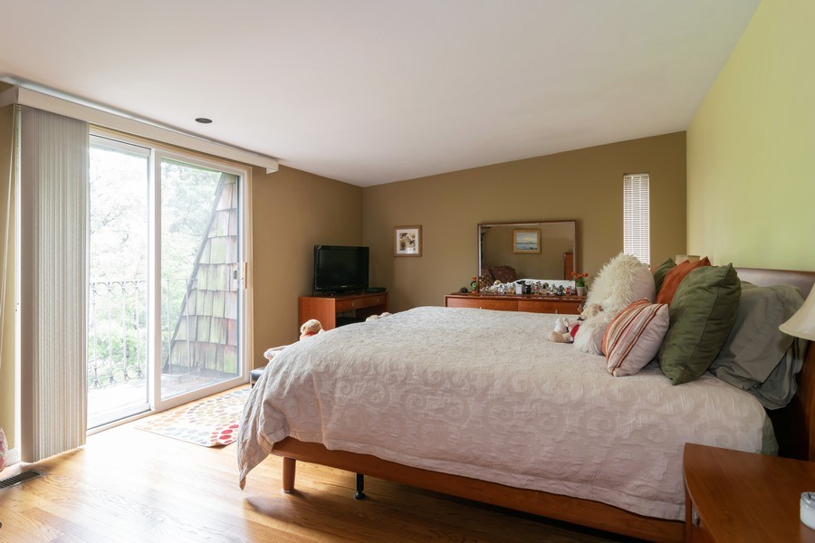 Real Estate Photography - 446 Lageschulte Street, Unit 1-446, Barrington, IL, 60010 - Master Bedroom