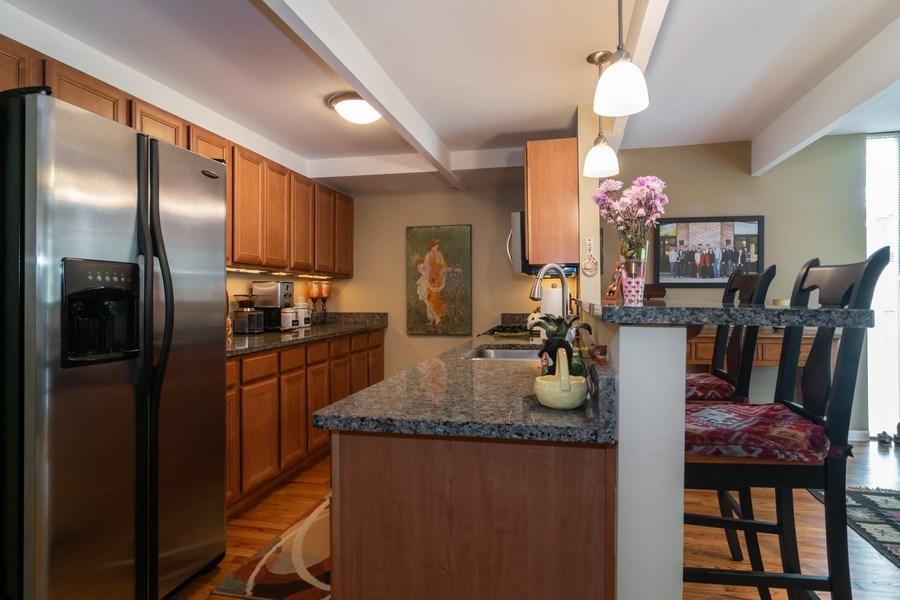 Real Estate Photography - 446 Lageschulte Street, Unit 1-446, Barrington, IL, 60010 - Kitchen