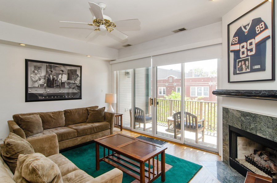 Real Estate Photography - 845 W. Altgeld Street, Unit 3B, Chicago, IL, 60614 - Living Room