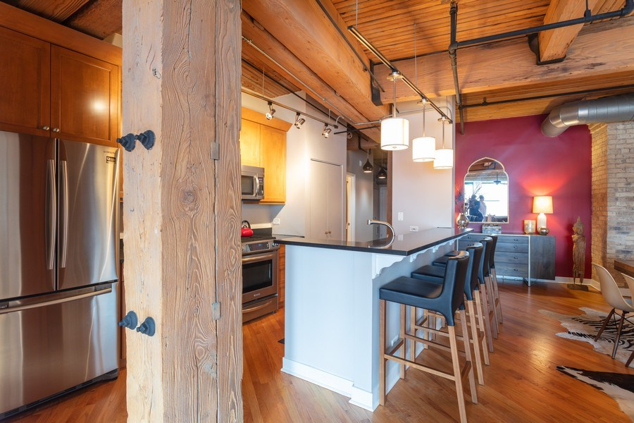Real Estate Photography - 411 W. ONTARIO Street, Unit 608, Chicago, IL, 60654 - Kitchen